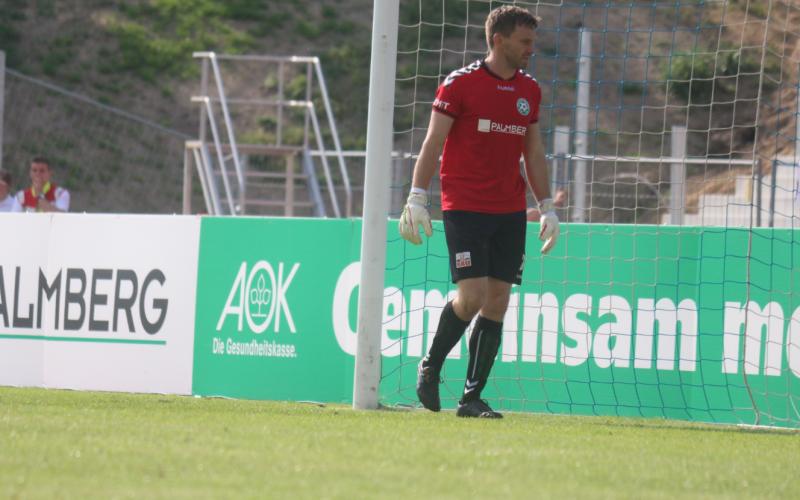 Jörg Hahnel unterstützt den SV Hafen Rostock