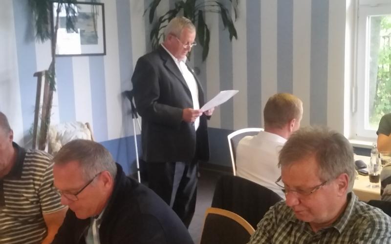 Traditionstreffen in gemütlicher Runde, Eckhard Landgraf zum Ehrenmitglied berufen